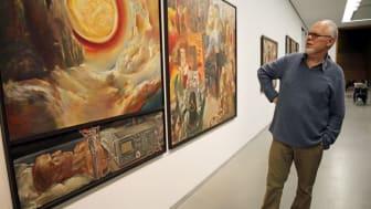"""Der Maler Sighard Gille stellt sein Triptychon """"Wessen Morgen ist der Morgen"""" aus der aktuellen Ausstellung """"ruhelos"""" vor"""