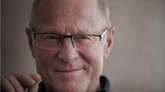 Biblioterapi är stort i Finland, och intresset växer i Sverige. Allan Linnér är med och pratar om biblioterapi och hur det kan tas emot i Sverige.