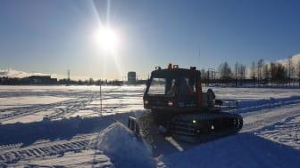 Den efterlängtade isbanan på Nördfjärden är plogad och öppen för allmänheten. Foto: Ulrika Bohman