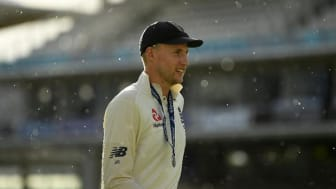 England name Ashes squad