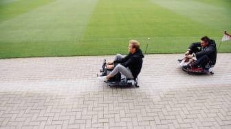 Nico Rosberg & Michael Fritz kämpfen um den Titel beim 1. sozialen E-Kartrennen im Millerntor