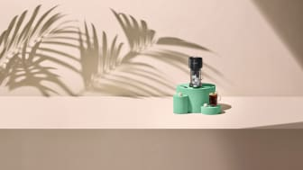 Vertuo Next Svart & Limited Edition Tropical Coconut Flavour Over Ice