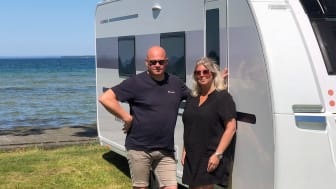 """Malin och Lasse Mellstrand, grundare av bokningsplattformen Hollistay, lanserar nu en """"app"""" för campingboenden i Sverige, Norge, Finland och Danmark."""