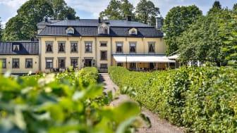 Vinnarna av  Värmlands Turismpris och Årets Uppstickare presenteras under Värmlands Besöksnäringsdagar på Hennickehammars Herrgård.