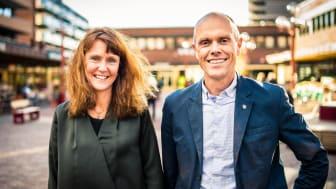 Utbyggingssjef i Sporveien, Hanna Rachel Broch, og plandirektør i Ruter, Snorre Lægran, inviterer til leverandørmøte på Tøyen i Oslo.  Foto: Sporveien