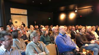 Godt oppmøte på Greenhouse Oslo: Grønn Byggallianse og FutureBuilt arrangerte i dag frokostmøte «Bærekraftig liv mellom husene i serien «Slik kan det gjøres».