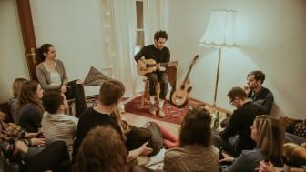 Matteo Capreoli für MUSIC CREATES WATER auf der heimischsten Bühne der Welt