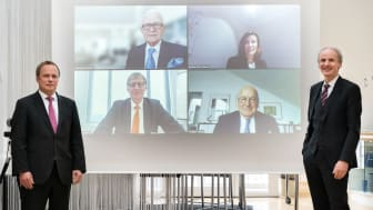 The virtual signing of the funding agreement: In the front Prof. Lothar Schmidt, Dean of the Faculty of Civil Engineering (left), Prof. Dr. Martin Leitner, President of the Munich University of Applied Sciences (right). Photo credits: Johanna Weber