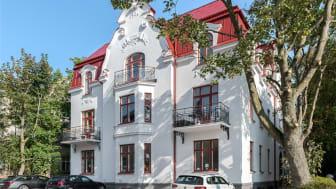 Bild av den restaurerade byggnaden Villa Ateno