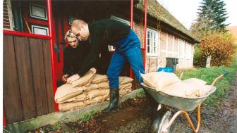 Eine leistungsstarke Versicherung gegen Elementargefahren wie Hochwasser ist ein wichtiger Baustein zur persönlichen Existenzsicherung. Foto: SIGNAL IDUNA