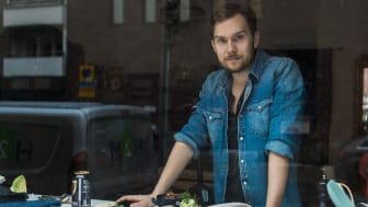 """Matbloggaren och kokboksförfattaren Gustav """"Jävligt Gott"""" Johansson"""