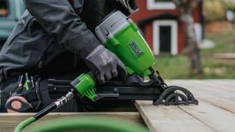 EDGEFAST er proffsystemet for skjult montering, utviklet for håndverkere som legger mange terrassegulv og som har høye krav til både sluttresultat og effektivitet.