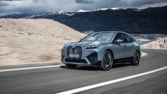 Helt nye BMW iX xDrive40 og BMW iX xDrive50: Nye målestokker for ren elektrisk kjøreglede