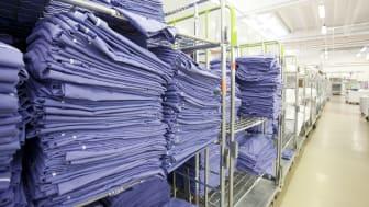 På Textilia tvättar man över 100 ton arbetskläder och textilier varje dag.