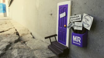 MR-dagarnas egen dörr sitter utanför Uppsala Konsert & Kongress där MR-dagarna kommer att sända live 19-21 april.