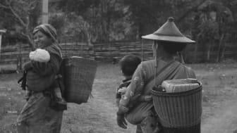 Kvinnor som hämtar vatten i Kayah-staten. Foto: Zin Mar Phyo