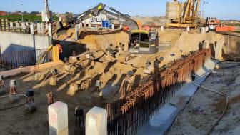 Der er godt gang i gravemaskinerne ved den jyske vestkyst, hvor udgravningen til det nye Lalandia lige nu er i fuld gang