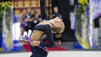 Alva och Cassandra mot världscupen i rytmisk gymnastik