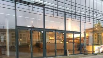 Glasdörrar med hög säkerhet