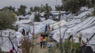 Tusentals människor sitter fast i lägren på de grekiska öarna Lesbos, Samos och Chios. Foto: Anna Pantelia/Läkare Utan Gränser