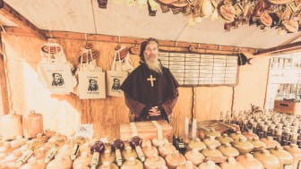Vertraue dem Mönch beim Kieler Umschlag und teste die heilenden Schnäpse