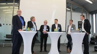Podiumsdiskussionsrunde mit (v.l.n.r.) Jürgen Book, Dr. Harry Niemann, Richard Keller, Michael Eckert, Fabian Ebrecht, Ralf Stumpfernagel