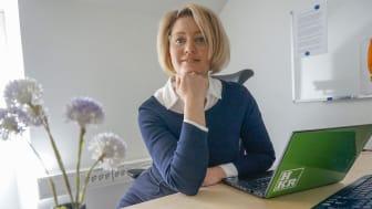 Sara Björklund vill utforska mötet mellan ambulanspersonal och personer ur utsatta grupper. Hon har en förförståelse för ämnet, både som ambulanssjuksköterska och som anhörig.
