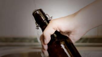 Det blev ändå ett par PET-flaskor och någon kanna med vatten i kylskåpet. Foto: Mihail (AdobeStock.com)