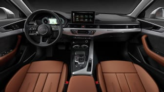 Audi A4 Limousine (terragrå) cockpit