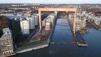 Eriksbergskranen ska målas om och kommer att lysa ännu klarare i framtiden.