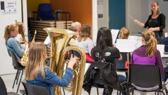 Øvelse på Årvoll skole med det lokale skolekorpset. Foto: Boris Danielsen