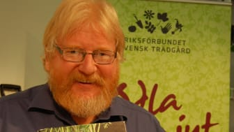"""Åke Truedssons bok """"Odla dina egna grönsaker"""" framröstad som Årets Trädgårdsbok."""
