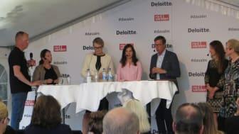 I panelen från vänster Erik Wahlin, Maria Brithon-Brink, Lina Axelsson Kihlblom, Aida Hadzialic, Marcus Strömberg, Petra Bendelin och Eva Åkesson
