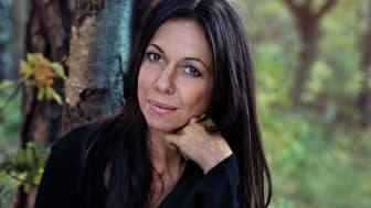 Albumaktuella Rigmor Gustafsson kommer till Vara
