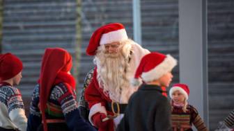 large-Santa kids performing at the christmas fair  Norsk Folkemuseum-CH  - VisitNorway.com (1).jpg