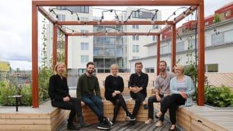 F.v. Linda Nilson och Madeleine Nordenknekt, längst till höger, är samordnare för det ena Liljewallteamet. Alexander Gösta, Ellen Simonsson, Jacob Flårback och André Agi utgör det andra teamet, där också Jesper Karlsson är med men saknas på bild.