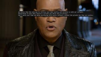 Den drabbade möts av Lawrence Fishburnes karaktär Morpheus. MegaCortex namn uppfattas som en hyllning till den första Matrixfilmen. I filmen arbetar huvudkaraktären Neo på programvaruföretaget MetaCortex.