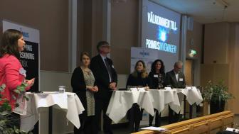 I panelsamtalet deltog (från vänster): Anna Davidsson,  Volvo Cars.  Göran Carlsson, Swerea. Frida Andersson, Teknikföretagen.  Ulrika Strandroth Frid, Trollhättans Stad samt Anders Carlberg, Västra Götalandsregionen.