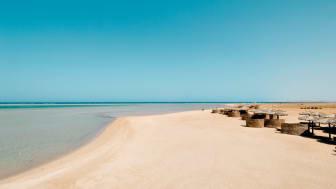 Marsa Alam byder på fine strande, fantastisk snorkling og smukke koralrev, som er lige så klare og farvestrålende som i Makadi Bay. I november er gennemsnitstemperaturen 26 grader og vandet 22 grader.