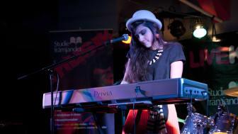 Amina Avdic i tävlingen Livekarusellen. Foto: Studiefrämjandet