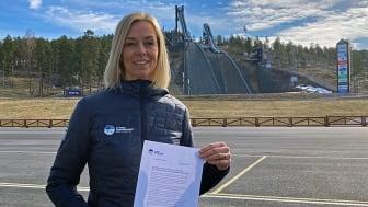 Ulrika Back Eriksson, kampanjledare för Svenska Skidförbundet med den formella ansökan.
