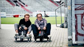 Nico Rosberg & Ewald Lienen beim ersten sozialen E-Kartrennen im Millerntor