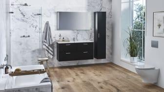 Kylpyhuoneen kalusteet asennetaan nykyään mielellään seinälle, jotta yleisilme pysyy keveänä. Lattian jäädessä vapaaksi erityisesti wc-istuimen alla oleva tila on helpompi pitää puhtaana.