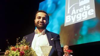 Araz Ismail (bilden) var på plats och tog emot priset. Foto: Norconsult