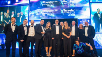 Go North East and Gateshead College collect their trophy at the Recruiter Awards 2018