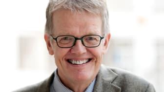 Gunnar Wetterberg historiker och författare,  medlem av panelen i SVTs  programserie Fråga Lund.