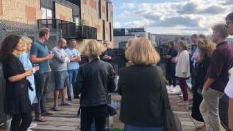 I sidste uge bød AG Gruppen velkommen til beboerne, hvor der blev snakket upcycling, bæredygtigt byggeri og deleøkonomi på den fælles tagterrasse