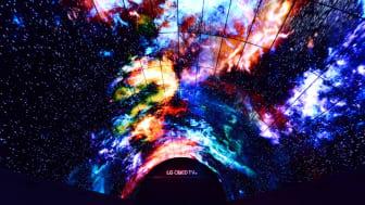 Besøkende på IFA 2016 ønskes velkommen til verdens største OLED-tunnel med 450 millioner fargesprakende bildepunkter