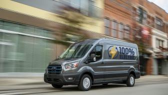 Tienraivaaja: Täyssähköinen Ford E Transit  pakettiauto ja sen uudet ominaisuudet tehostavat liiketoimintaa tulevaisuudessa
