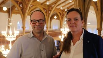 Erik Eriksson, tillförordnad förvaltningschef för barn- och utbildningsförvaltningen och Lotta Grönlund Plöen, ordförande (M) i barn- och utbildningsnämnden.